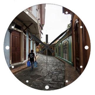 Las Penas水キャリア-玉石道エクアドル ラージ壁時計