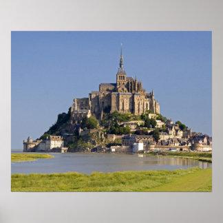Le Mont Saintマイケルあたりの ポスター
