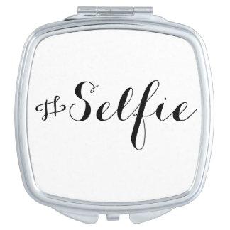 Le Selfie Compact