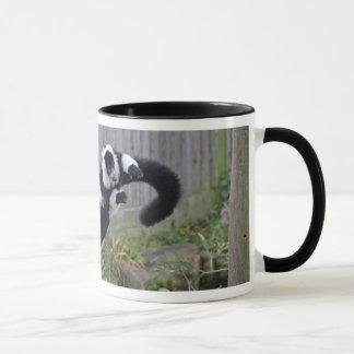 lemurのマグの跳躍 マグカップ