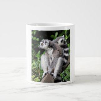 Lemurはかわいい写真の骨のジャンボマグ、ギフトのリング後につきました ジャンボコーヒーマグカップ