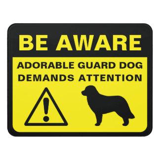 Leonbergerのシルエットのおもしろいな番犬の警告 ドアサイン