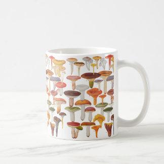 Lesのシャンピニオンのきのこ コーヒーマグカップ