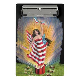 Liberty女性米国旗は金花火を破烈させました ミニクリップボード