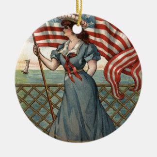 Liberty Ocean Sailboat米国の旗の女性 セラミックオーナメント