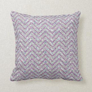 Lillaおよび水晶のグリッターのシェブロンパターン枕 クッション