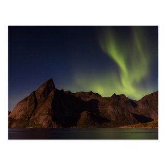 Lofoten - Olstindの郵便はがき上のNorthern Lights ポストカード