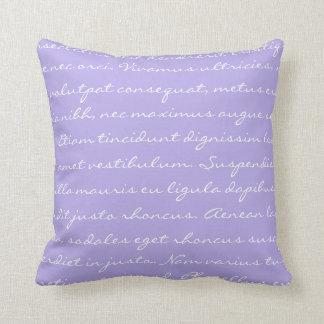 Lorem Ipsumの執筆-白い紫色の文字 クッション