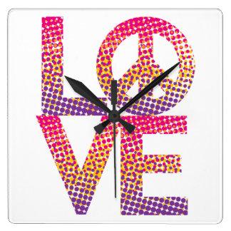 LOVE=Peaceのハーフトーンの正方形の時計 スクエア壁時計