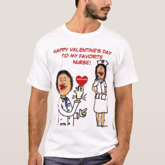 Loves Nurseバレンタインデーの博士 Tシャツ