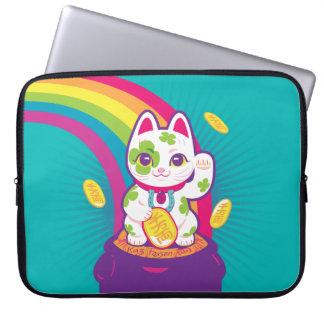 Lucky Cat Maneki Neko Good Luck Pot of Gold ラップトップスリーブ