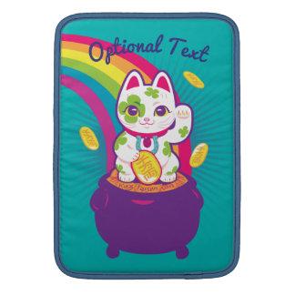 Lucky Cat Maneki Neko Good Luck Pot of Gold MacBook スリーブ