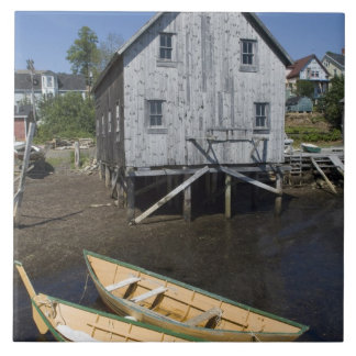Lunenburg、ノバスコシア、カナダ、小舟の建築者 タイル