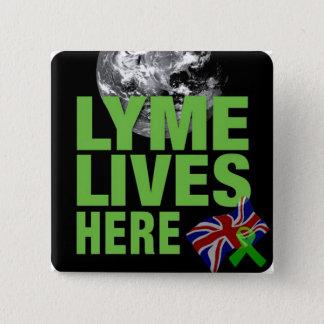 Lymeはイギリスボタンここに住んでいます 5.1cm 正方形バッジ