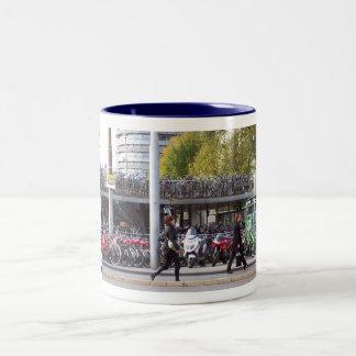 mオランダのマグアムステルダム ツートーンマグカップ