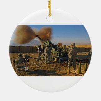 M777ライト引かれた曲射砲アフガニスタン2009年 セラミックオーナメント