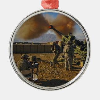 M777ライト引かれた曲射砲アフガニスタン2009年 メタルオーナメント