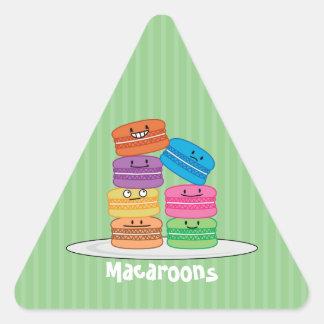 MacaroonのMacaroonsの幸せな食糧はMacaronの上で積み重なりました 三角形シール