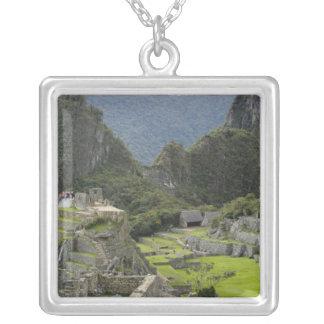 Machu Picchuのインカ人都市、ペルーの台なし。 2 シルバープレートネックレス