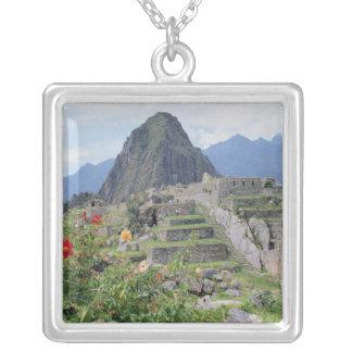 Machu Picchu、ペルー シルバープレートネックレス