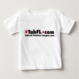 MADDOXに1枚の幼児のTシャツがあります ベビーTシャツ