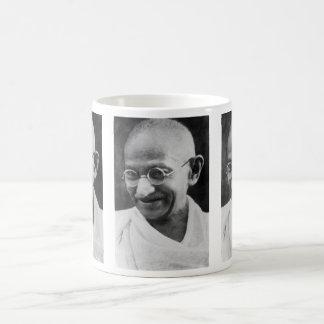 Mahatma Gandhiのポートレートの写真 コーヒーマグカップ