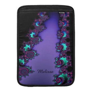 Mandelbrotの紫色のフラクタルデザイン MacBook スリーブ