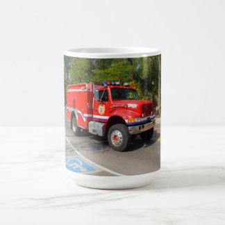 Manitouの春の普通消防車 コーヒーマグカップ