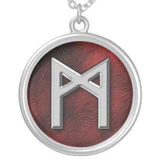 Mannaz シルバープレートネックレス
