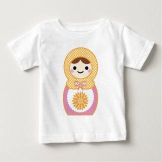 Matryoshkaの人形 ベビーTシャツ
