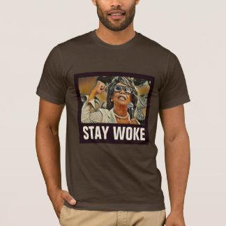 """Maxine """"滞在""""伯母さんは政治#2アンチ切札を目覚めさせました tシャツ"""