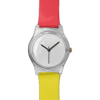 May28thの赤くか黄色の腕時計 リストウォッチ