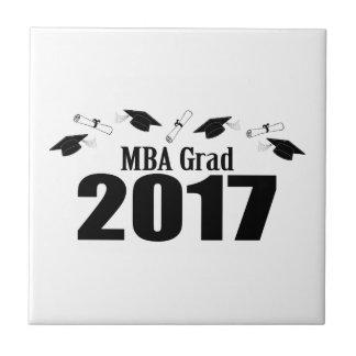 MBAの卒業生2017の帽子および免状(黒) タイル