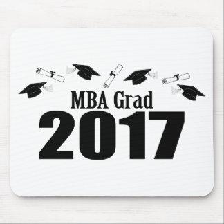 MBAの卒業生2017の帽子および免状(黒) マウスパッド