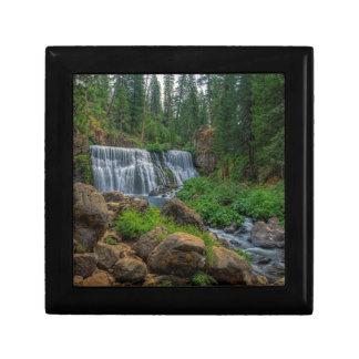 McCLOUDの408中間の滝 ギフトボックス