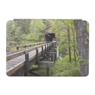 McKeeの屋根付橋、ジャクソンビル、オレゴン iPad Miniカバー
