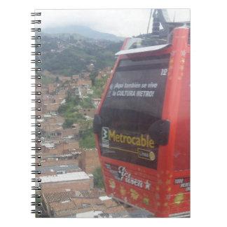 Medellínコロンビアのケーブル・カー ノートブック