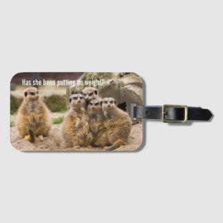 Meerkatsのおもしろいなキャプショングループ ラゲッジタグ