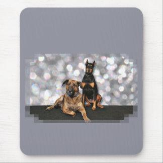 Megyanのドーベルマン犬-バークレーのマスティフX マウスパッド