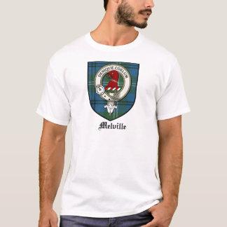 Melvilleの一族はバッジのタータンチェックの頂点に達します Tシャツ