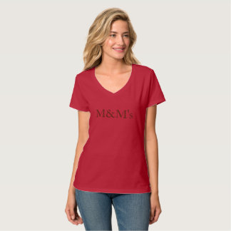 mentoreを生み出す赤いTシャツチョコレートレタリング Tシャツ