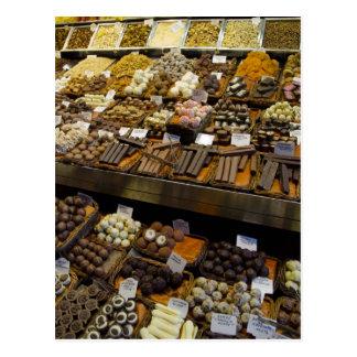 Mercat de Santジュゼップの分類されたチョコレート・キャンディ ポストカード