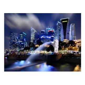 Merlionおよびシンガポールのスカイライン ポストカード