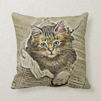 MEWSPAPERのCAT、ヴィンテージ猫のコラージュ クッション