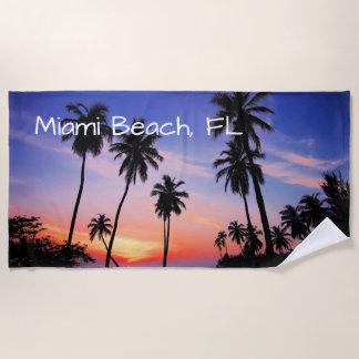Miami Beachの熱帯景色の日没 ビーチタオル