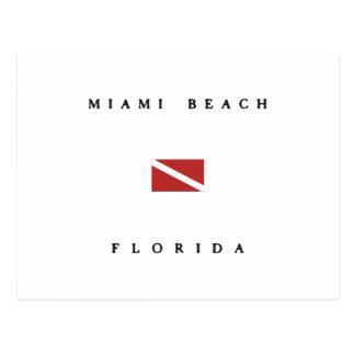 Miami Beachフロリダのスキューバ飛び込みの旗 ポストカード