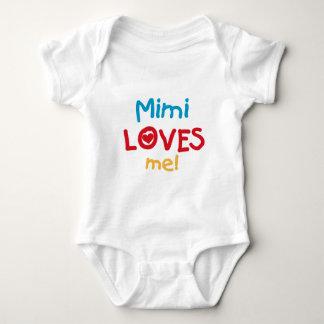 Mimi私をTシャツおよびギフト愛します ベビーボディスーツ