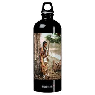 Minnehaha 1897のネイティブアメリカンのHiawathaのヴィンテージ ウォーターボトル