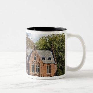 Minnewaterの煉瓦教会 ツートーンマグカップ