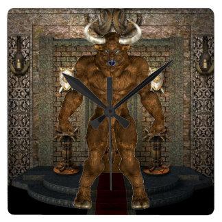 Minotaurの柱時計 スクエア壁時計